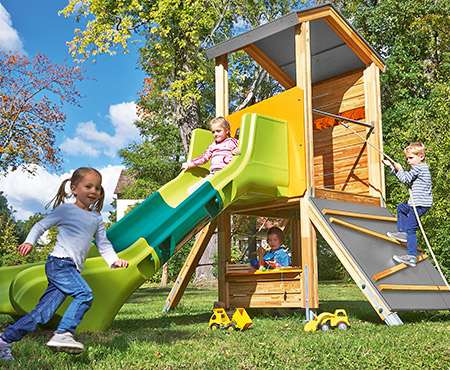 Spieltürme und -häuser
