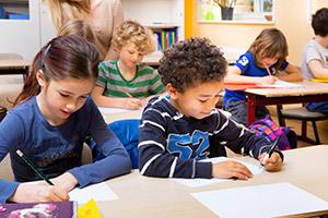 Sprachkenntnis & Sprachförderung für Flüchtlingskinder in Schule und Hort